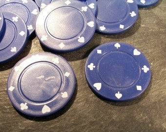POKER Chips Twenty (20) Blue Thick Plastic Vintage Poker Chips Discs Vintage Art Jewelry Supplies Vintage Game Pieces (N6)