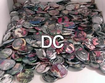 """5 Mixed 1.5"""" Comic Book Buttons// DC Comics"""