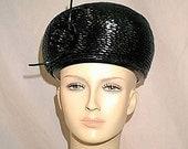 Mod 1960s Shiny Black Vinyl Weave Bubble Hat