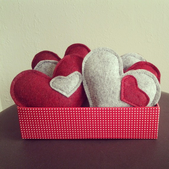 Cat Toys- 3 Catnip Hearts, wool felt, catnip, natural catnip, kitten toy, felt toy, Valentine's Day, toy set, cat gift