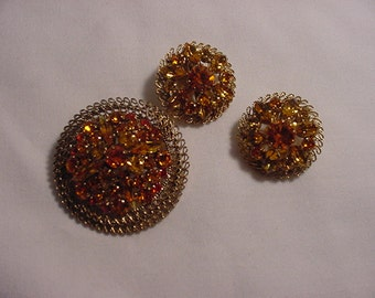 Vintage Made In Austria Orange & Yellow Rhinestone Brooch And Clip On Earring Set   14 - 24