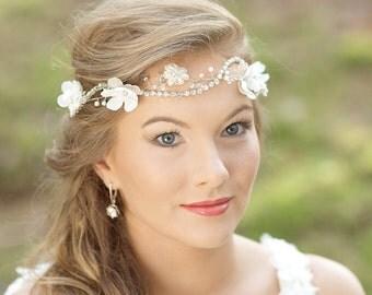Wedding Flower Hair vine Bridal hair accessories Floral Head piece Bohemian wedding head piece Halo headband Flower Bridal Hair Crown