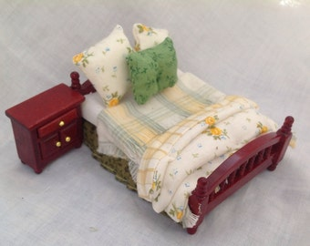 Dolls House Miniatures - 1/24TH  OR HALF INCH - Bed Set - Olivia