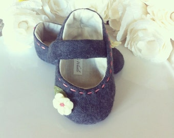 Cottage Chic Grey Wool Baby Shoes - Felt Mary Janes - Baby and Toddler Girl