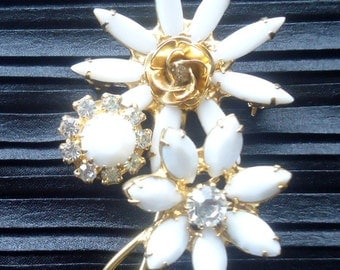 Newly Discovered and Verified DeLizza and Elster a/k/a Juliana Milk Glass Flower Figural Brooch