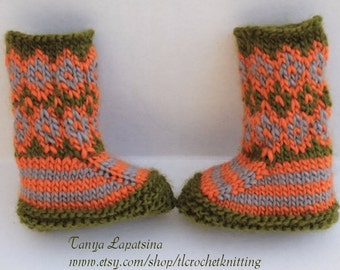 Hand Knit Fair Isle Baby Booties. Thanksgiving Baby Booties. Green Orange Gray Baby Booties.