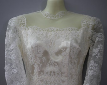WEDDING GOWN  - lace - princess - tulle and lace - covered buttons