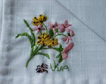 VERA - NAPKINS and place mats - Miniature Gardens by Bucilla -pink - white daisy - 8 piece set