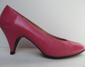 Vintage 1980's/Pink Pumps/ Pink High Heels/ Pink Leather Pumps/ Pink Leather Heels/ Hot Pink Pumps/Totar/Size 8