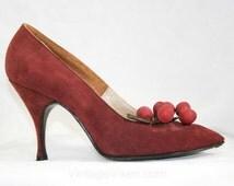 Merlot Suede Stilettos - Herbert Levine Shoes - 1950s - Berry Clusters - Berries - Size 6.5 M  41456-1