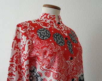 SALEVintage Mandarin Collar Blouse Asian 60s 70s Mod Mid Century Red Black Small Penny Lane Beattles