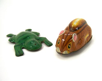 Vintage litho tin toy leaping frog and friction gopher, brown pink yellow green black white, 2 collectible toys