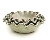 Ruffled Mint Bowl Trio
