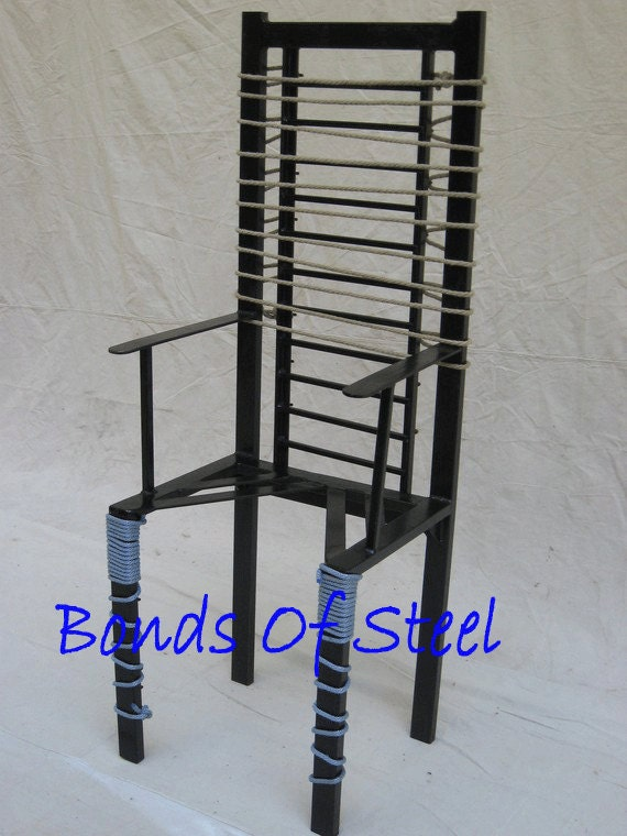 Queening BDSM Bondage Chair Bonds of Steel Mature