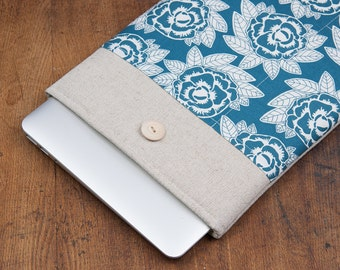 50% OFF SALE White Flowers MacBook 13 Case. Case for MacBook 13 Pro Retina. Sleeve for MacBook 13 Air / MacBook 13 Pro Retina.