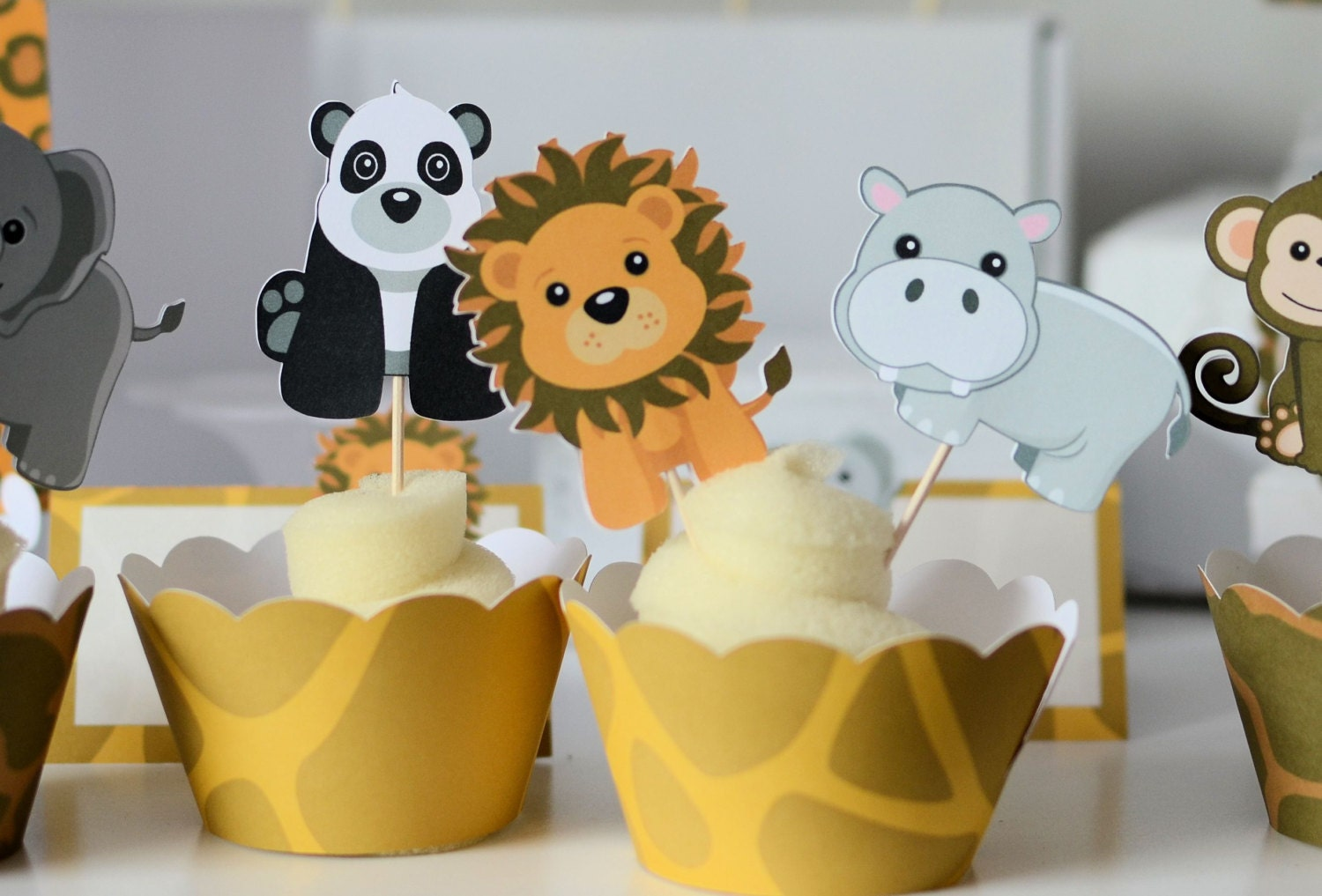 Jungle party cupcake toppers safari baby shower jungle for Baby decoration safari