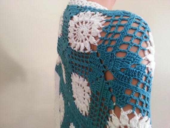 Spring shawl. Beautiful made. Handmade
