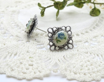 Antique Silver Filigree Vintage Rose Cameo Stud Earring in Blue