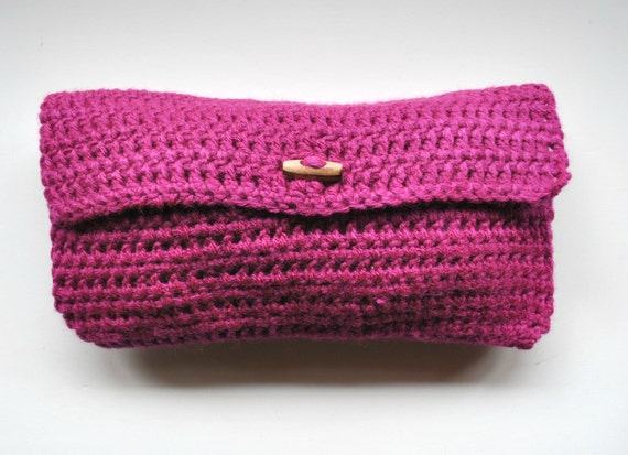 https://www.etsy.com/listing/121461022/handmade-crocheted-magenta-clutch-with