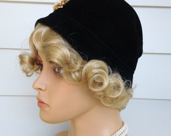 Vintage Black Cloche Hat With Brooch