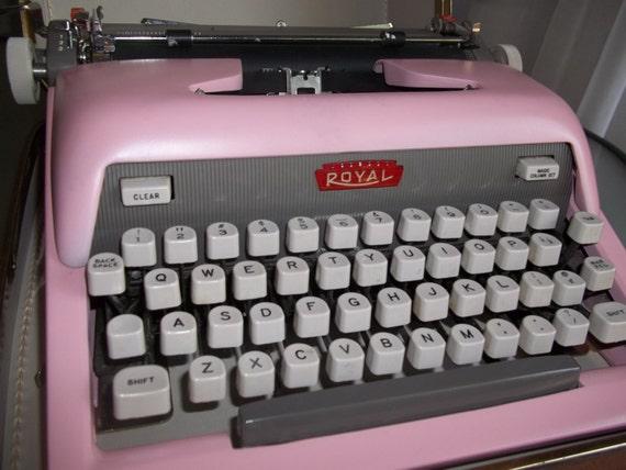 vintage repeint la machine crire royal rose bonbon avec. Black Bedroom Furniture Sets. Home Design Ideas