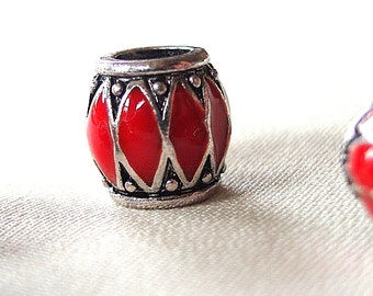 Red Enamel with Silver metal and Black antiquing Chevron pattern large hole beads, 10mm, hole diameter 5mm, package of 5