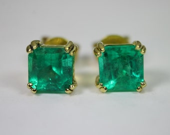 Tres Elegant! 5.50tcw Top Gem Colombian Emerald & Gold Solitaire Earrings