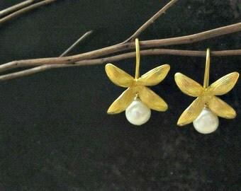 Gold Petal Earrings | Freshwater Pearl Earrings | Bridal Jewelry | Wedding Jewelry | Flower Earrings | White Pearl Earrings