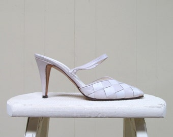 Vintage 1970s Shoes / 70s White Woven Leather Slingback Heels / Size 8 1/2 US