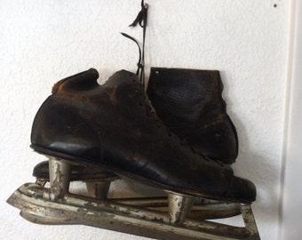 Vintage Men's Ice Skates