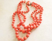 Vintage Plastic Rose Necklace Triple Strand Coral Color Neckalce Retro Autumn Fall Fashion Statement
