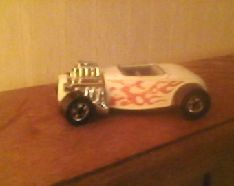 Vintage 1975 Hot Wheels 1932 Ford Roadster Convertible