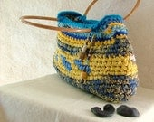 eCo ChiC  - ! rag crochet bag - tapestry crochet - with vintage wooden handles , beaded