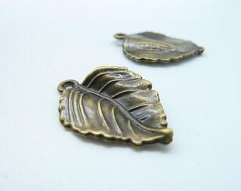 20pcs 20x29mm Antique Bronze Leaf Charms Pendant c711