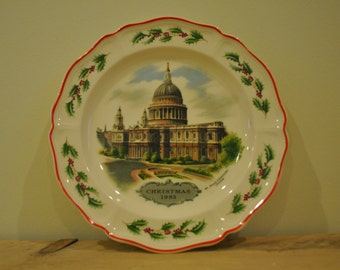 Vintage Wedgwood 1980s Christmas plate - St Paul's Cathedral - Alan Price