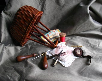 "Vintage Vew England ""Ladies""Sewing Basket w/ VintageTools"