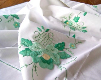 Vintage Green Tablecloth Floral Applique Embroidered Hand Stitched Fine Linen Tablecloth With Napkins Cottage Decor Unused Vintage 1950s