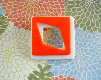 Melon & White Open Center Brooch