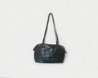 STONE MOUNTAIN Leather Shoulder Bag Black Leather /Hobo Slouch Bag