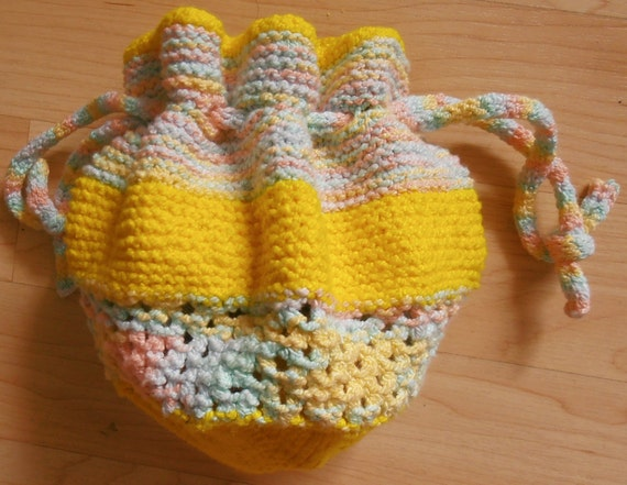 Knitting Pattern Small Drawstring Bag : Knitting pattern for Drawstring Bag from CraftStruck on Etsy Studio