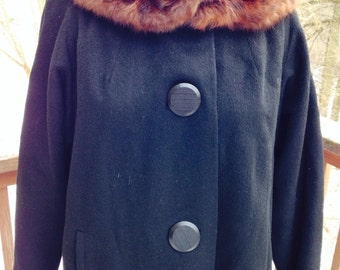 Black wool winter coat. Coat with fur collar. Mad men coat. Mid century coat.