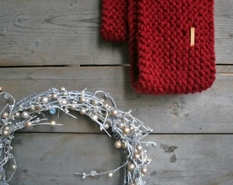 Chunky Knit Infinity Scarf // Chunky Cowl //  Cranberry // THE CANUCK TWISTER