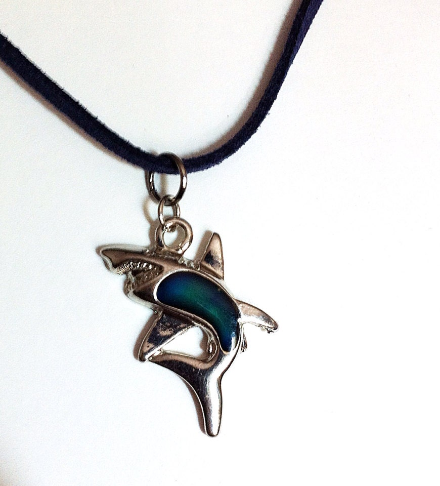 mood changing silver shark necklace unisex necklace shark