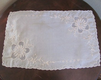 "Antique Rectangle Madeira Embroidered Table Runner Dresser Scarf Doily - 11"" x 16"""