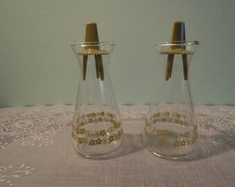 Vintage Salt and Pepper Shakers: Pyrex Crazy Daisy Green Pattern Salt & Pepper Shaker Set