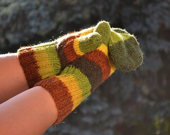 Knitted Autumn colors multicolor gloves