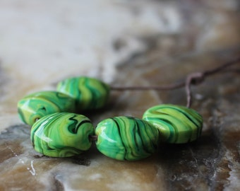lampwork bead set of five green swirl lentil
