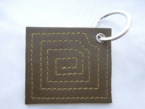 Leather keychain, spiral keychain, leather keyring, green keychain, leather tag, olive green, squared kwychain, large keychain, leather ring