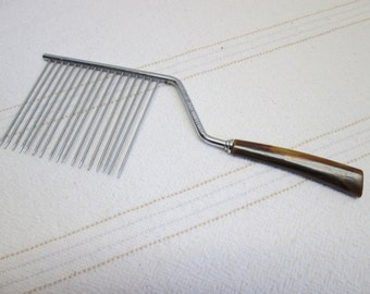 Vintage Cake cutter Bakelite handle, kitchen tools, West Germany