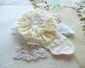 Prairie Chic Corsage Pin Ornament by WeeWoollyBurros